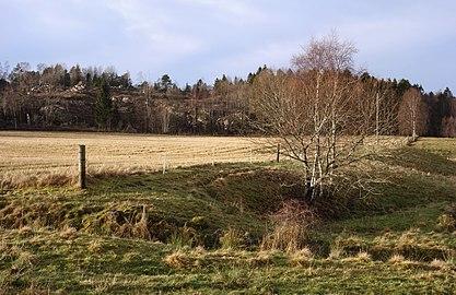 Borders of a stubble field in Brastad.jpg