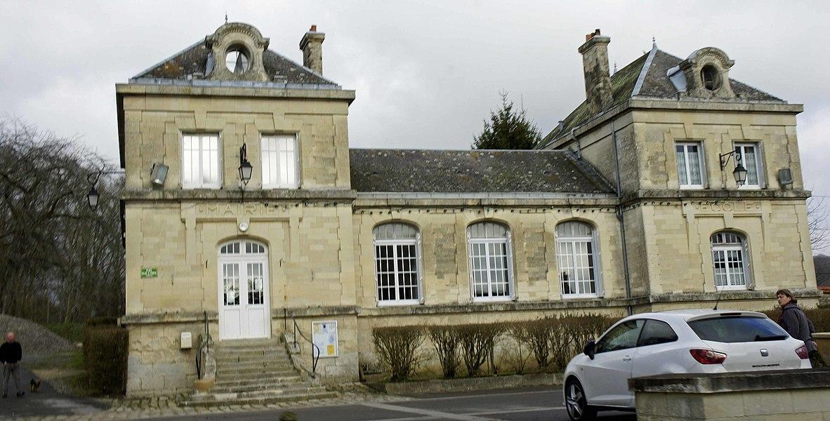 Vue de la mairie de Bouconville Vauclair.