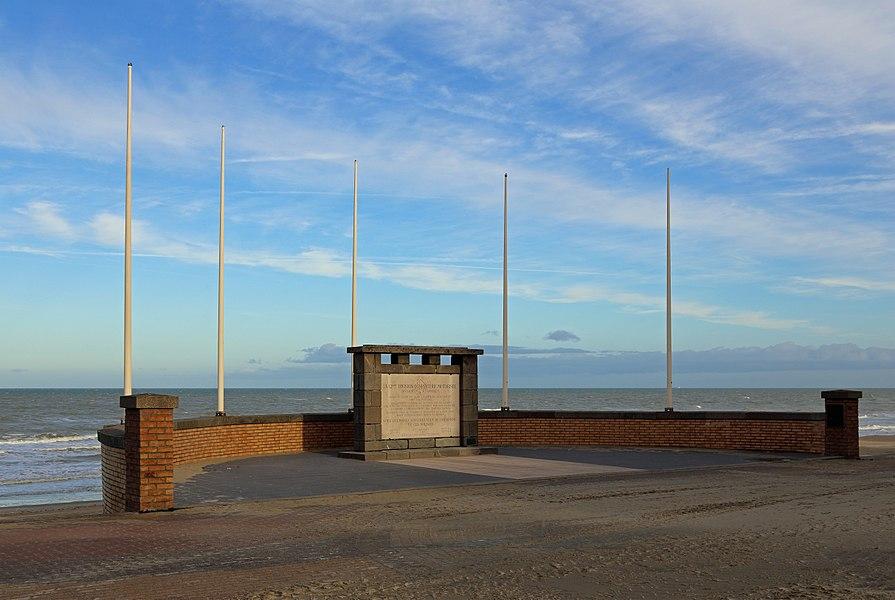 Bray-Dunes (département du Nord, France): memorial of the Division Janssen (World War II)