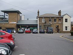 Brentford station south entrance.JPG