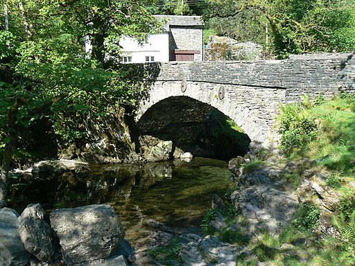 Bridge over Langdale Beck at Elterwater, Cumbria UK - panoramio