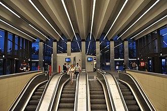 Line 2 (Budapest Metro) - Image: Budapest, metró 2, Széll Kálmán tér, 2