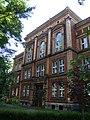 Budynek szkoły, obecnie II Liceum Ogólnokształcące im. Stanisława Staszica 05.JPG