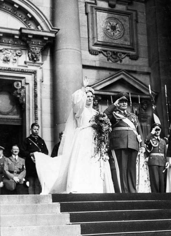 Bundesarchiv B 145 Bild-F051618-0010, Berlin, Trauung Hermann Göring mit Ehefrau Emmy