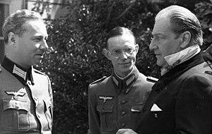 Sonderführer - Image: Bundesarchiv Bild 101I 255 1189 07, Frankreich, deutsche Besatzung