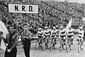 Bundesarchiv Bild 183-82750-0008, Friedensfahrt, Mannschaft der DDR, Eröffnung.jpg