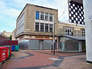 The Broadway, Bradford - Boarded shops on Broadway on the fringes of the development; until the centre opened, shops in this area were somewhat isolated.
