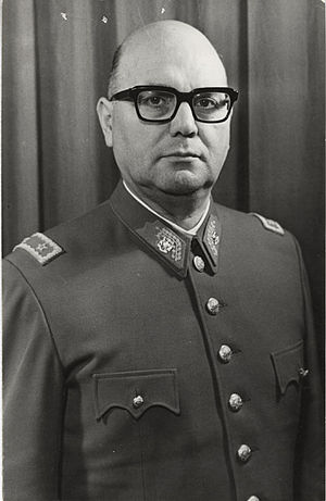 César Benavides - César Benavides