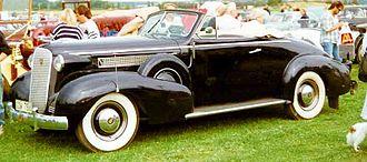 Cadillac Series 60 - Image: Cadillac 37 60 Convertible Coupe 1937