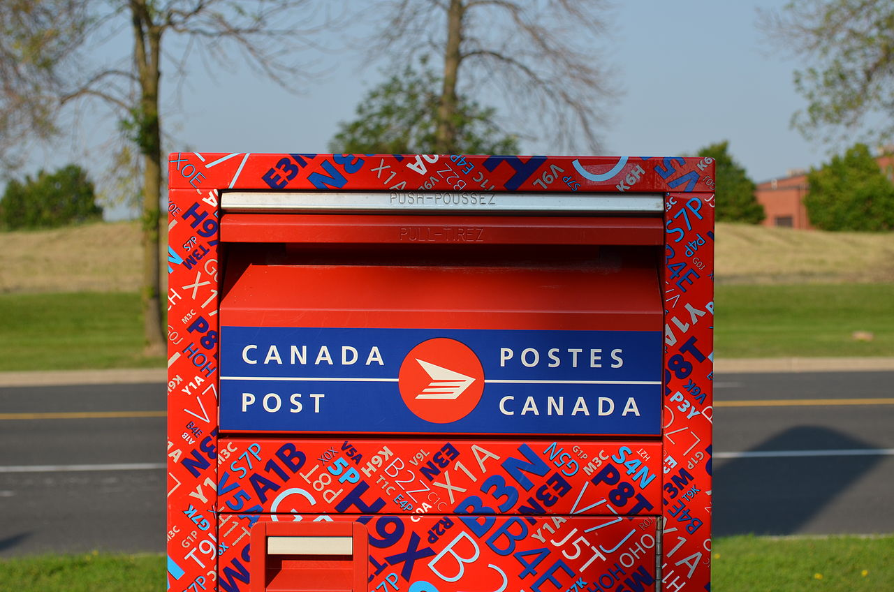 This is a graphic of Challenger Canada Post Container Labels