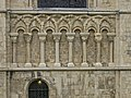 Canterbury cathedral Columns south wall 1.jpg