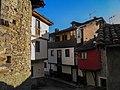Casas de Cabañaquinta, Aller, Asturias.jpg