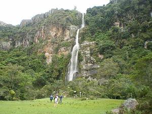 Dinira National Park - Image: Cascada del Vino Barbacoa Lara
