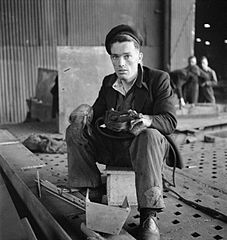 Cecil Beaton Photographs- Tyneside Shipyards, 1943 DB162.jpg