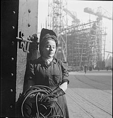 Cecil Beaton Photographs- Tyneside Shipyards, 1943 DB62.jpg