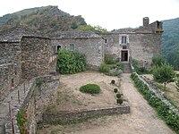 Château de Brousse 1.JPG