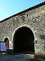 Château de Reigné porte d'entrée.JPG
