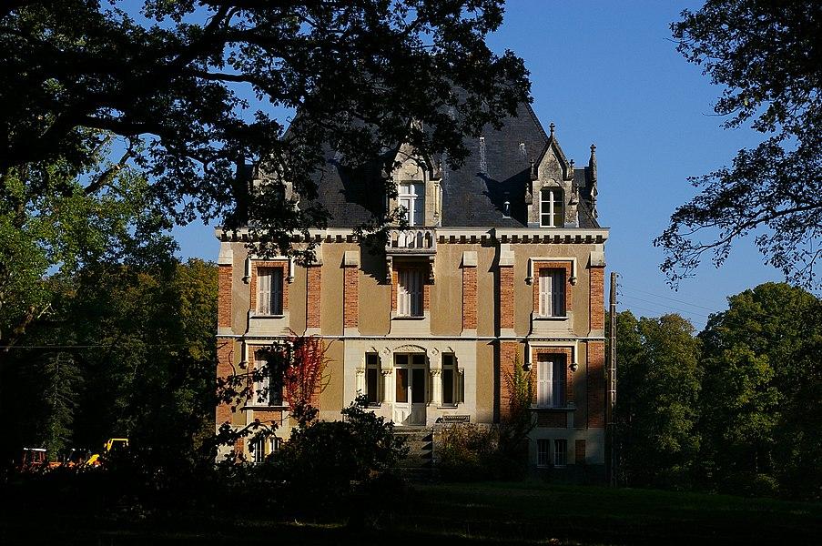 Le château de l'Essart à Sainte-Suzanne (Mayenne)