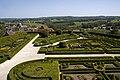 Chateau de Hautefort Formal Gardens 09.jpg