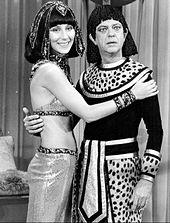Cher e Don Knotts no programa de televisão The Sonny and Cher Show, em 1976