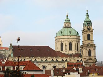 St. Nicholas Church (Malá Strana) - Image: Chram sv Mikulase z upati Petrina