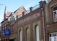 Cinema plaza duffel.JPG