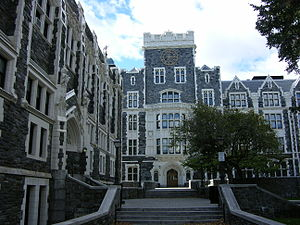 City College of New York - City College of New York in 2010, North Campus, looking west. Wingate Hall on the left, Townsend Harris Hall in the background.