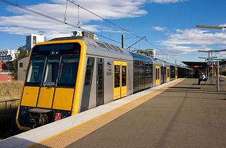 Eastern Suburbs & Illawarra Line - Image: City Rail Tangara T33 ext
