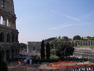 Colosseum Arch of Constantine 2.jpg
