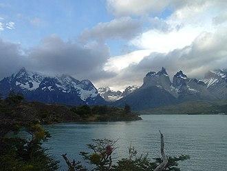 Magallanes Region - Image: Cuernos del Paine Raulito