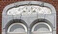 Détail fenêtre 1900 Engis-coin rueRichard et rueReineAstrid.jpg