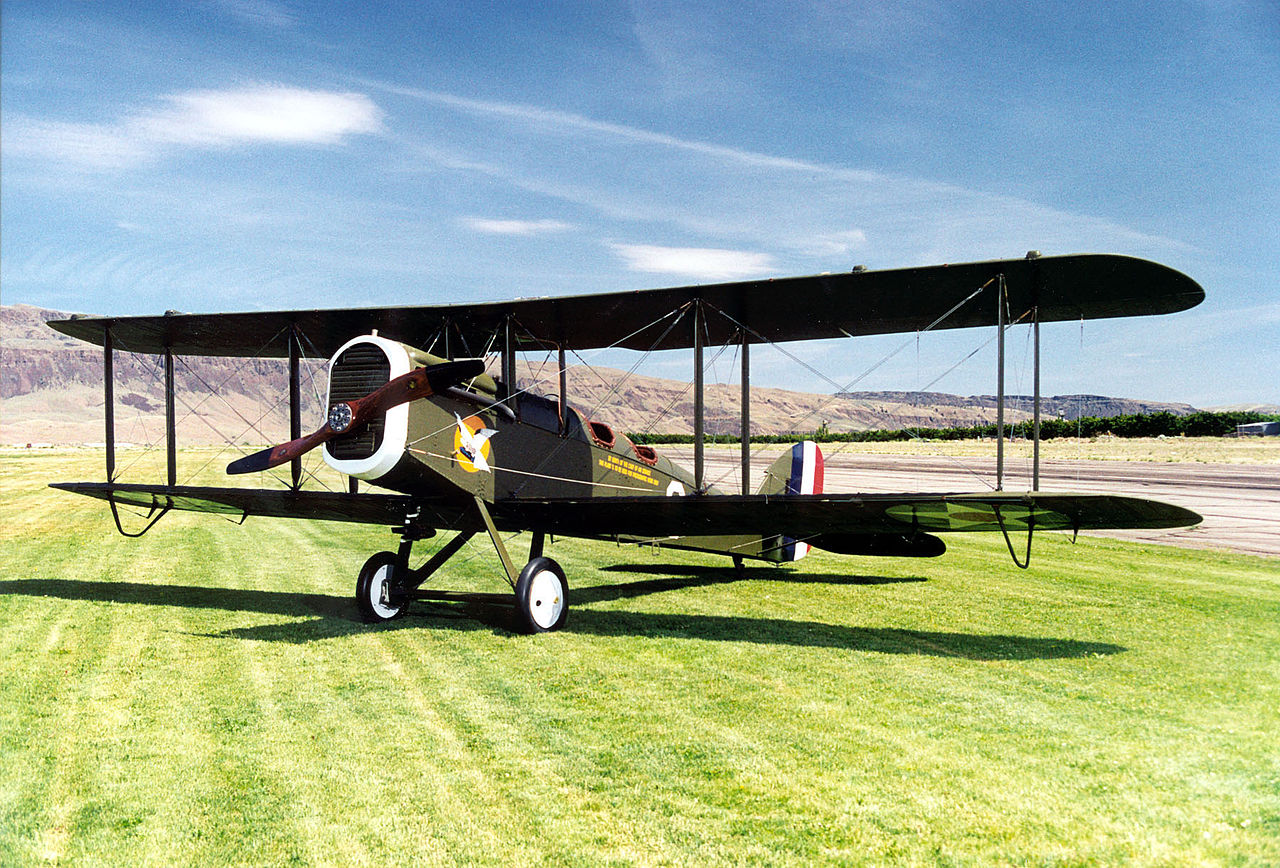 1280px-De_Havilland_DH-4_USAF.jpg