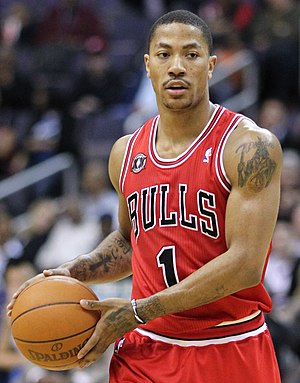 Derrick Rose #1 of the Chicago Bulls at the Ve...