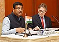 Dharmendra Pradhan along with the Secretary of Energy, US, Mr. Rick Perry briefing the media on Indo-US Energy relations, in New Delhi.JPG