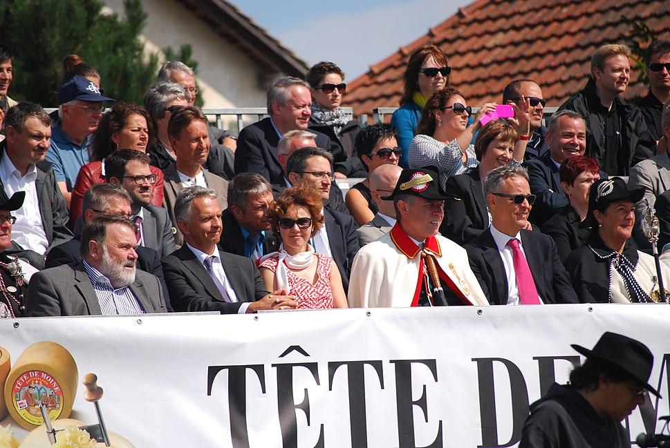 Didier Burkhalter mit Weibel in Saignelégier