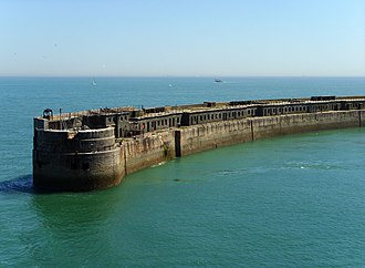 Port of Dover - Harbour wall