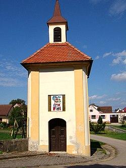 Drahotěšice - kaple svatého Václava.jpg