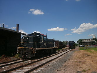 East Penn Railroad - East Penn Railroad ALCO RS-1 57 and GE B23-7 3153 in Quakertown