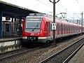 Eine ET430 der Stuttgarter S-Bahn aus Kirchheim im Endbahnhof Herrenberg.jpg