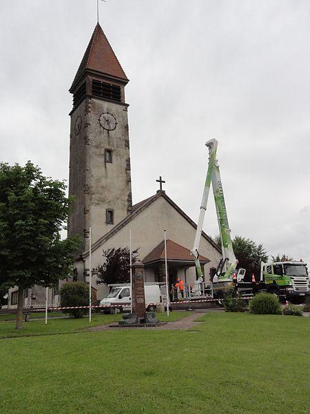 Emberménil (M-et-M) église (en travaux de nettoyage)