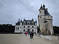 Entrance of the Chateau of Chenonceau.jpg