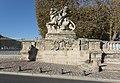 Entrance statue, Place royale du Peyrou 02.jpg