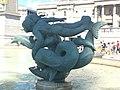 Escultura en Trafalgar Square Londres (43826026981).jpg