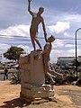 Estatua en BOD, Punto Fijo.JPG