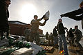 FEMA - 40438 - ND National Guard and volunteers toss sand bags in North Dakota.jpg