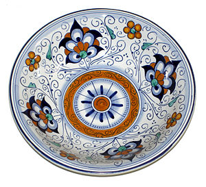 Faience - Maiolica in traditional pattern made in Faenza