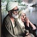 Faqeer Ali Muhammad Gilkar Sahab R.A. and His Wife.jpg