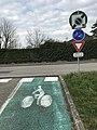 Fin de bande cyclable à Beynost (Ain, France).jpg