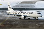 Finnair (Christmas Livery), OH-LXD, Airbus A320-214 (40595814282).jpg