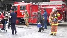 Datei: Feuerwehrleute - Tokio - 2017 3 3.webm